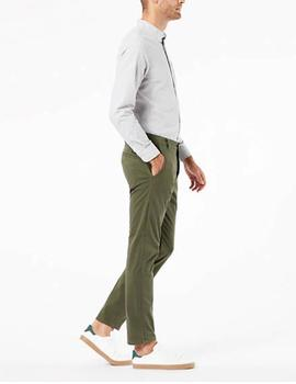 Pantalón Dockers Supreme Flex tapered verde